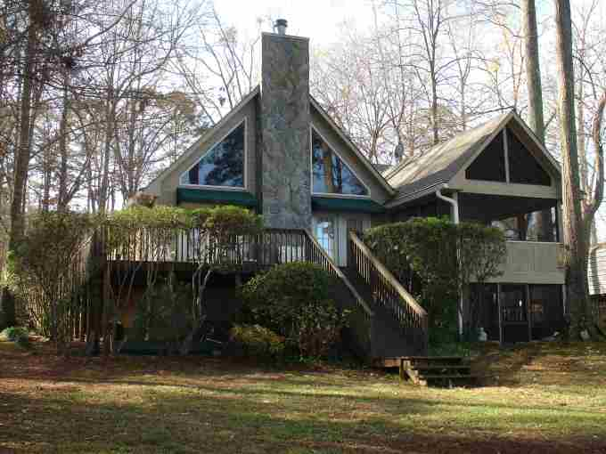 Lake Oconee Affordable Lakeside Home